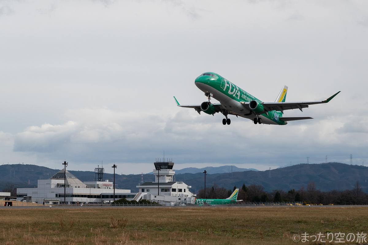 松本空港を離陸するFDA機