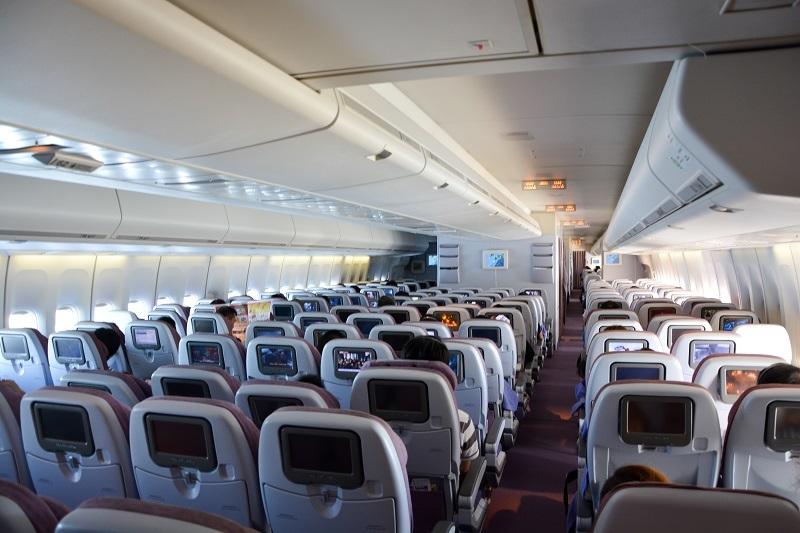 機内最後部から見たエコノミークラスの様子