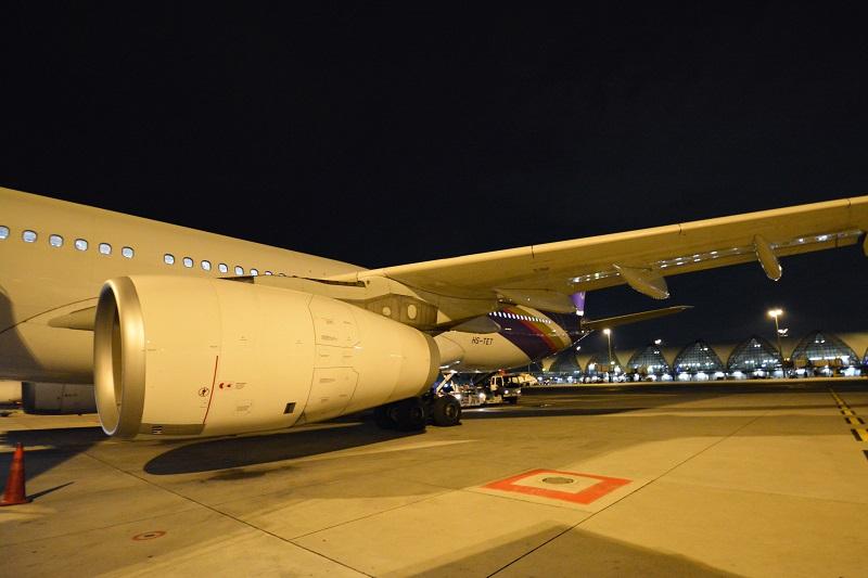 バンコク・スワンナプーム国際空港に駐機するタイ国際航空のA330-300型機