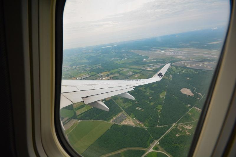 スカイマークのB737-800からの機窓