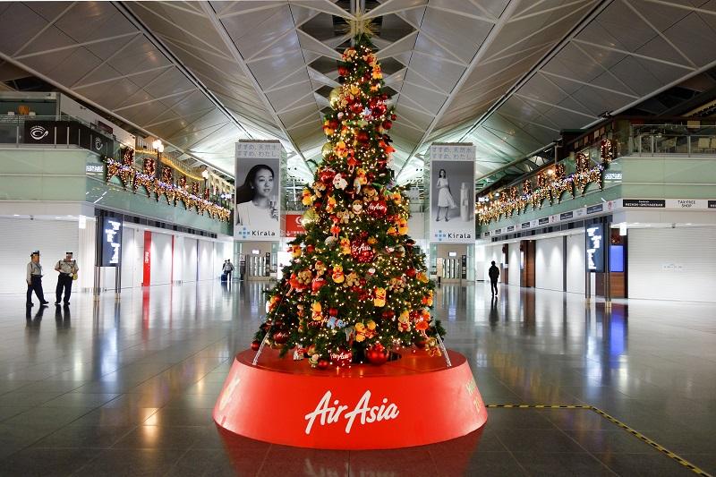 セントレアに設置されたエアアジアのクリスマスツリー