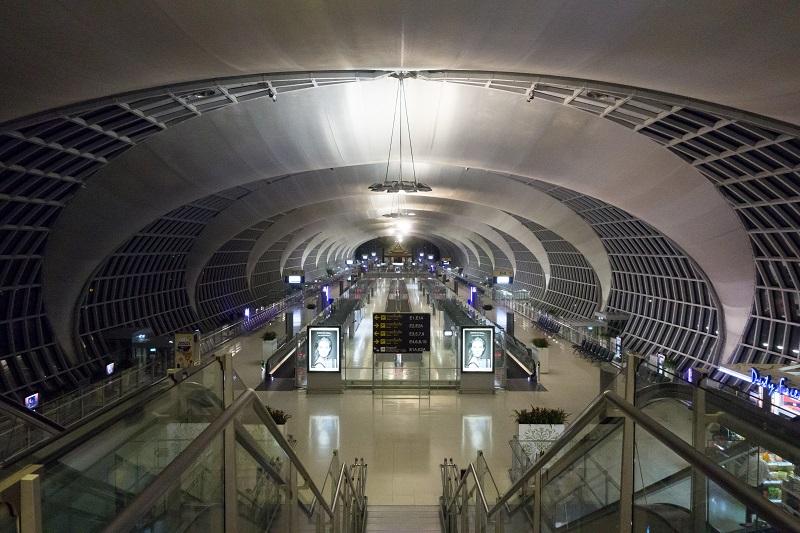 早朝朝5時のバンコク・スワンナプーム国際空港
