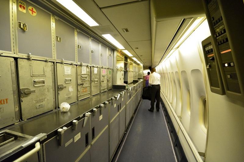 タイ国際航空のB747-400型機の細長いギャレー