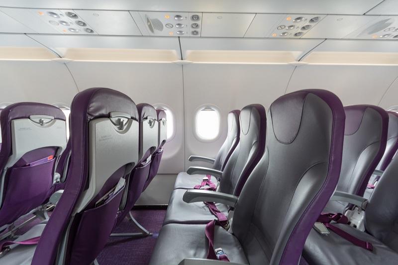 香港エクスプレスのやや狭い座席間隔の普通席