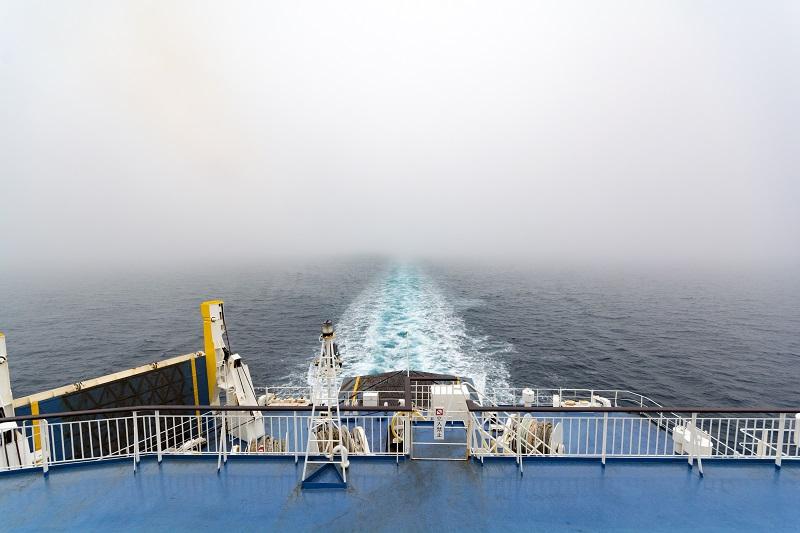 船尾の景色