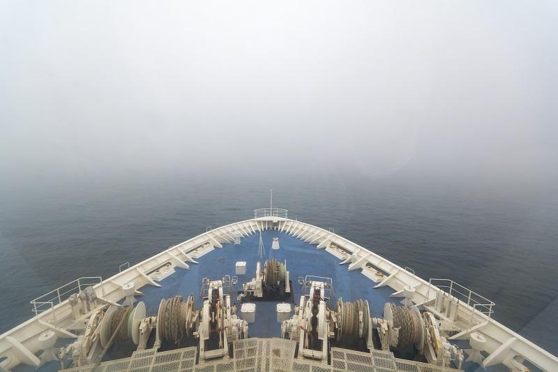 船首のフォワードサロンからの景色