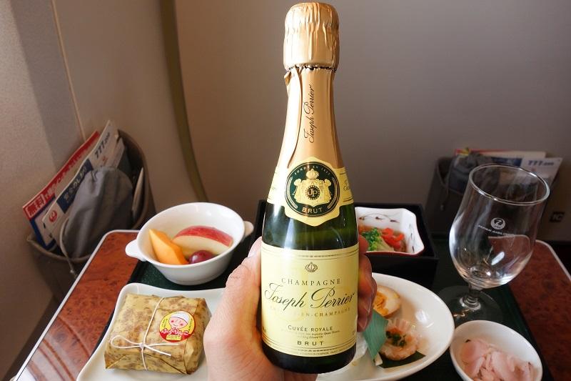 機内で提供されたCUVEE ROYALE(キュヴェ・ロワイヤル・ブリュット)のシャンパン