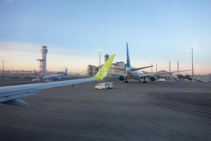 羽田空港の要人が使用するV1スポットを機内から