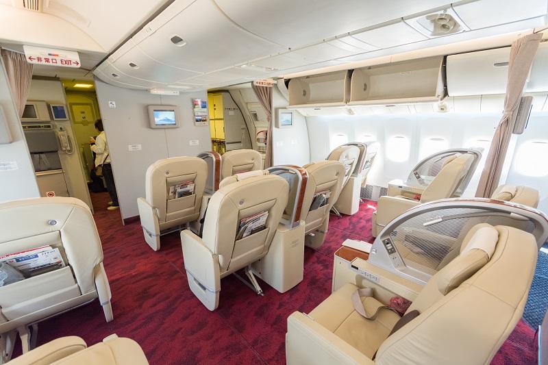 14席のみ配置されているJALのB777-200型機のファーストクラス