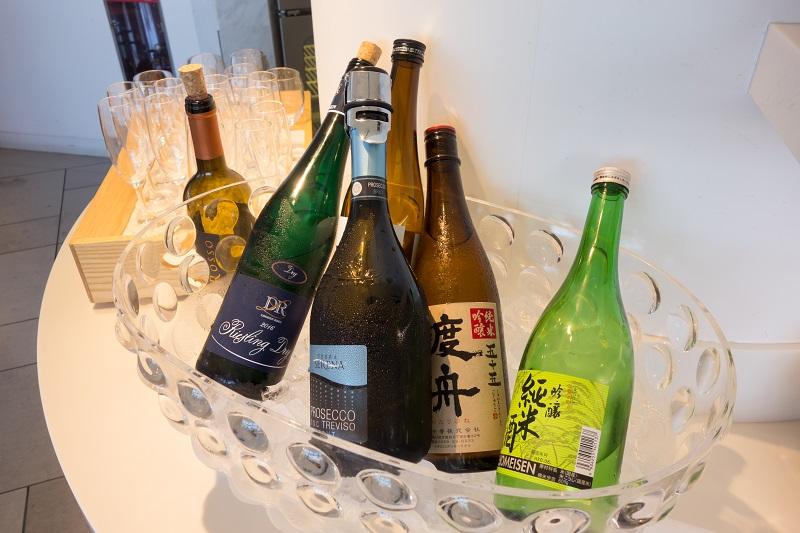 ラウンジ内にて提供されるアルコール飲料類