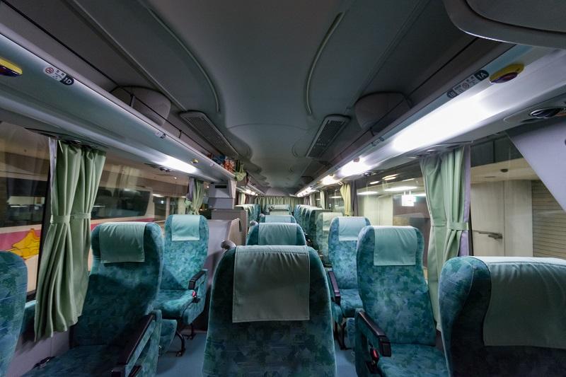 昌栄交通どっとこむライナーの3列独立タイプの座席