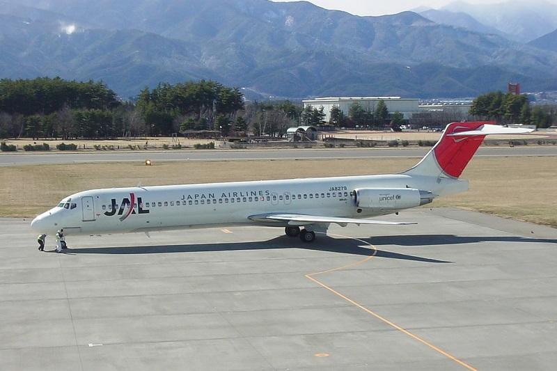 松本空港に運航していたJALのMD-87型機