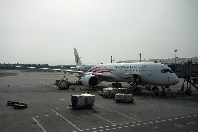 搭乗機のA350-900(9M-MAG)