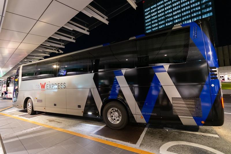 ウィラーエクスプレスのリボーン座席搭載バス