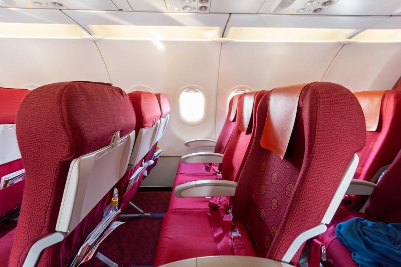 香港航空のA320のエコノミークラスの側面画像