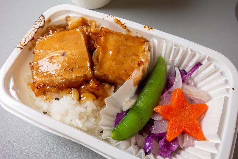 豆腐ステーキの機内食