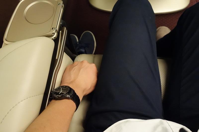 握り拳1個分の座席幅