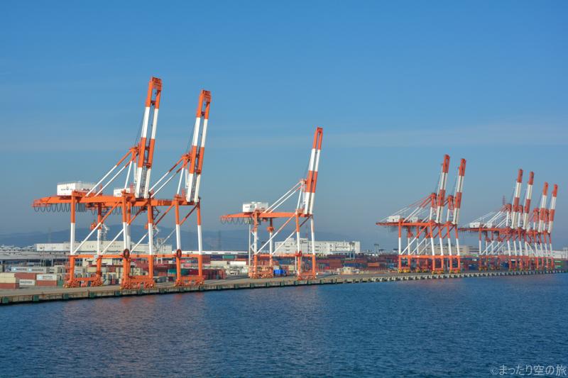 名古屋港のガントリークレーン群