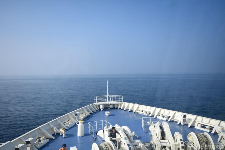 フォワードサロンからの船首の眺め
