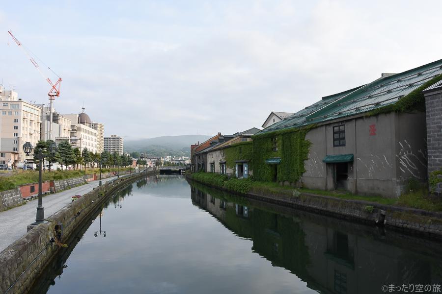 人が居ない早朝の小樽運河