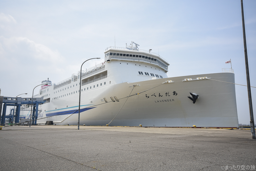 新日本海フェリーのらべんだあの船体