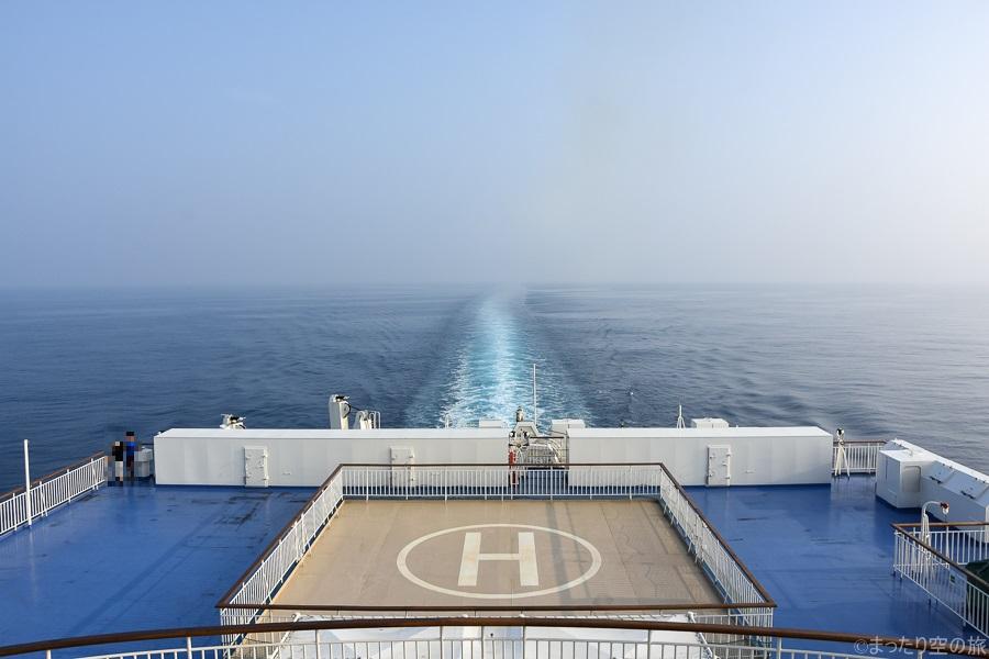 船尾から見た自船の航跡