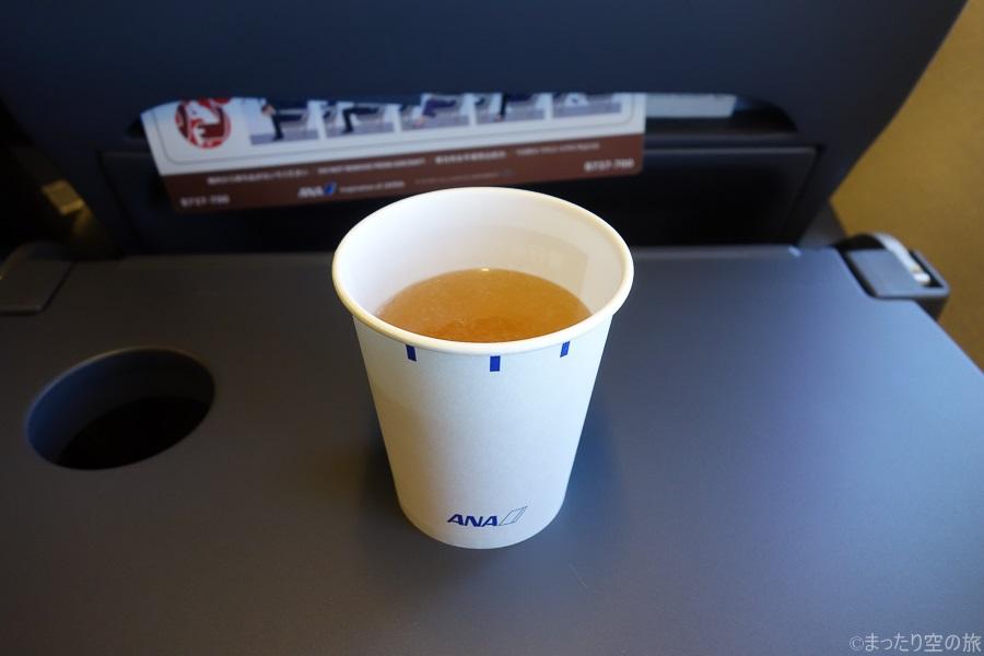 機内サービスのコンソメスープ