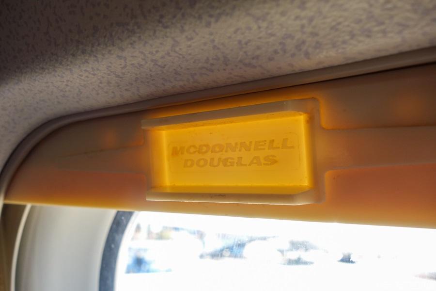 シェードのつまみのMCDONNELL DOUGLASの刻印