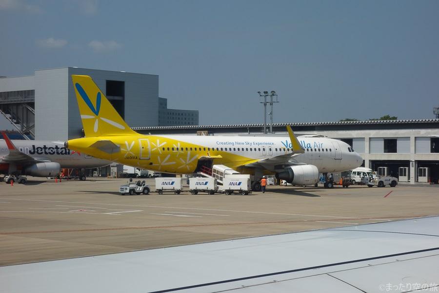 成田空港に駐機するバニラエアのA320型機1号機