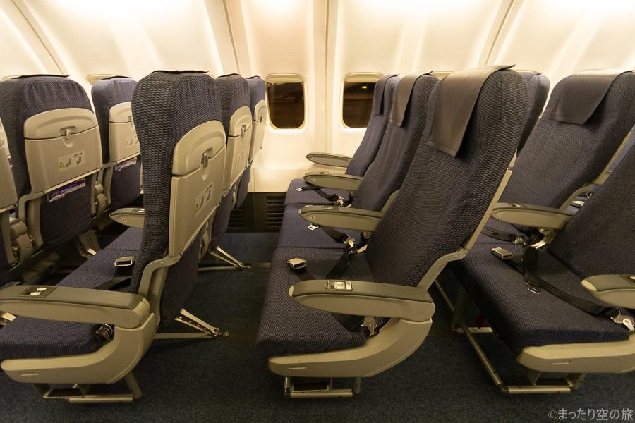 ANAのB737-800型機の普通席