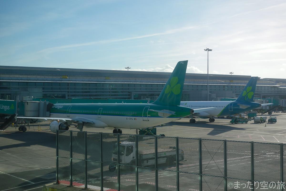 ダブリン国際空港に駐機するエアリンガス機
