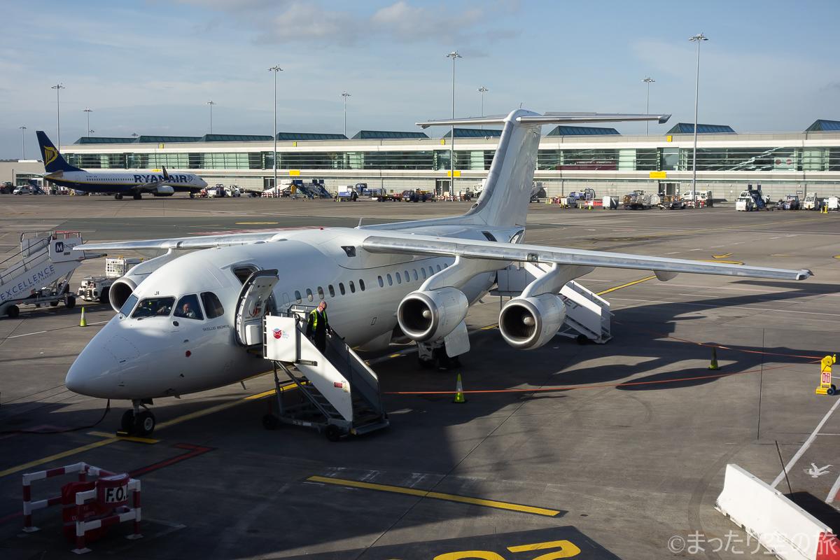 今回の搭乗機のRJ85(EI-RJI)