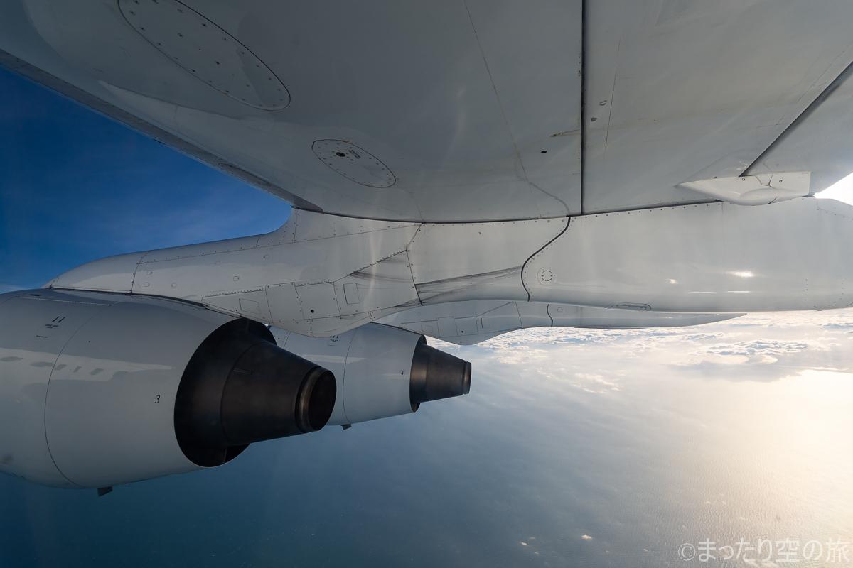 水平飛行時の機窓