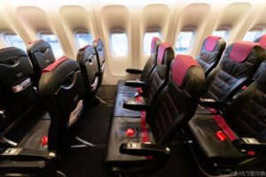 B777-300の普通席