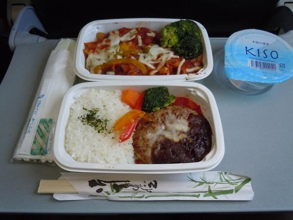 ジェットスターの機内食2