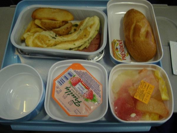 中国国際航空のパリ=北京間の機内食
