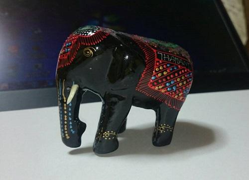 象乗り会場の売店で購入した象の置物