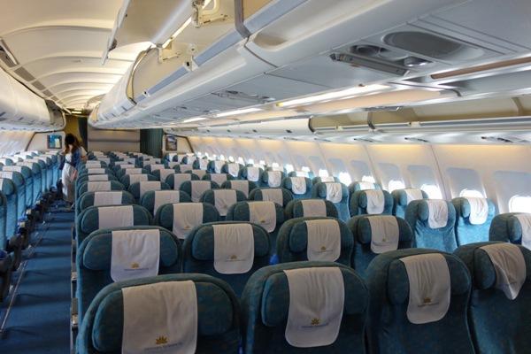 ベトナム航空A330-200型機の機内の様子