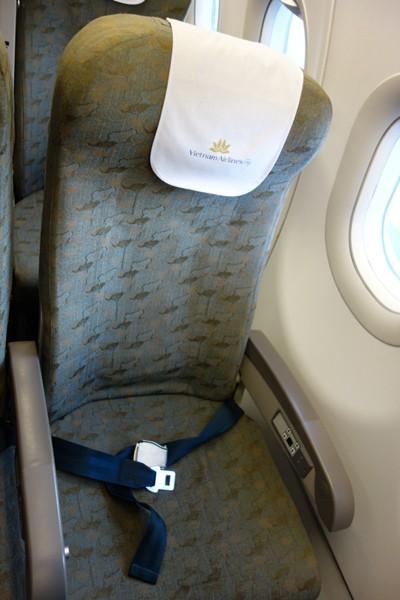今回座ったベトナム航空のA321型機の座席