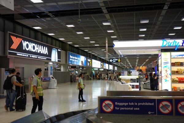 日本メーカーの広告が目を引くバンコク・スワンナプーム国際空港