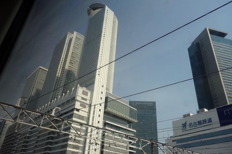 立派な名古屋駅ビル