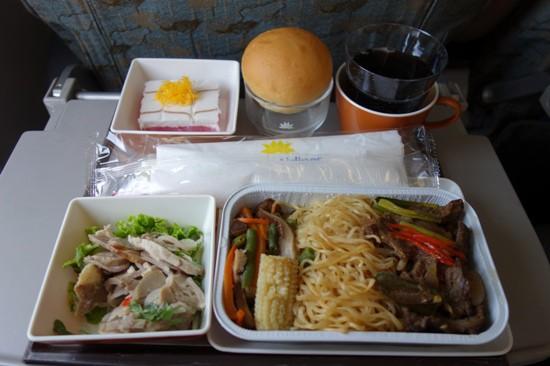 ベトナム航空のヌードルの機内食