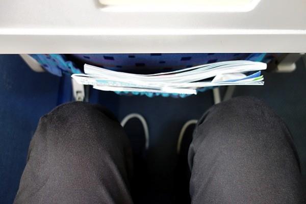 SAAB340B型機の座席の足元の広さ