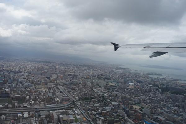 スターフライヤー機内から眺めた福岡市街上空