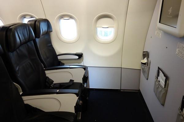 スターフライヤーのA320型機の最前列の座席
