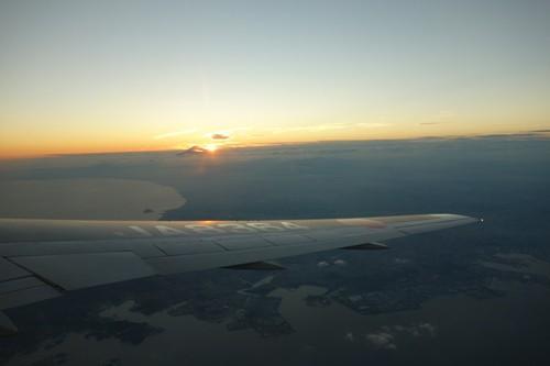 夕日と富士山と自機の翼