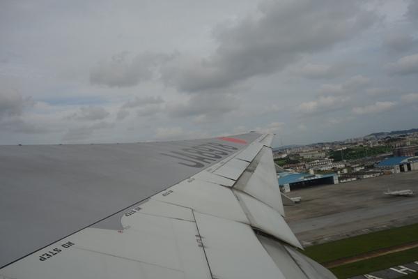 那覇空港離陸時の様子