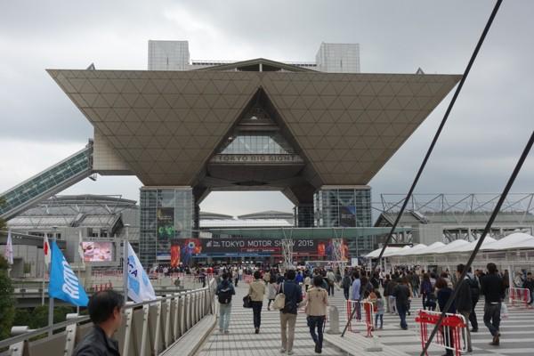 東京モーターショーの会場の東京ビッグサイト