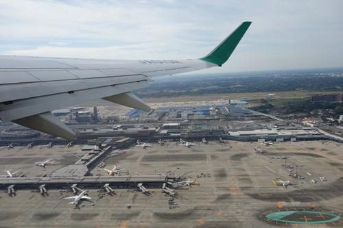 成田空港B滑走路からの離陸時の様子