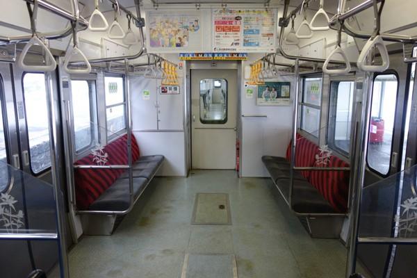 国鉄115系長野色の優先席ゾーン
